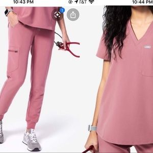 Mauve pair scrubs Xs/ Xs tall